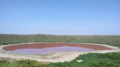 Photo of За одну ніч кратерне озеро змінило свій колір