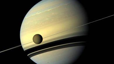 Photo of Титан залишає орбіту Сатурна на великій швидкості
