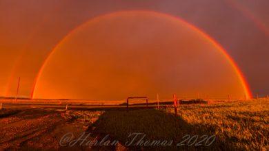 Photo of Кривава веселка з'явилася в небі над Калгарі, Канада