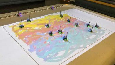 Photo of Подивіться, як рій роботів допомагає художнику писати картини