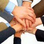 Співробітники, які вірять у свою компанію, швидше просуваються по службі