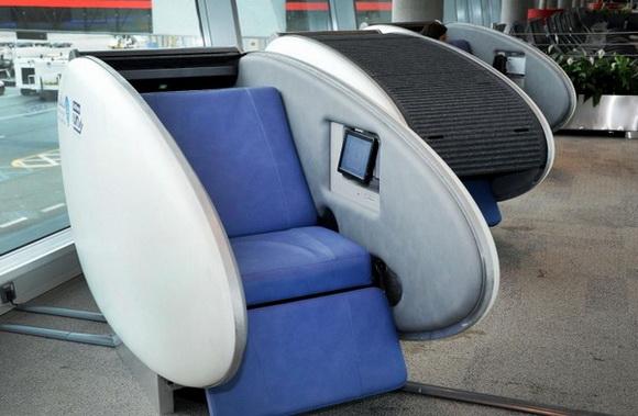 Огляд сучасних способів заснути в аеропорті (2)