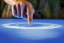 Покоління Y бачить в нових технологіях як світлі, так і темні сторони