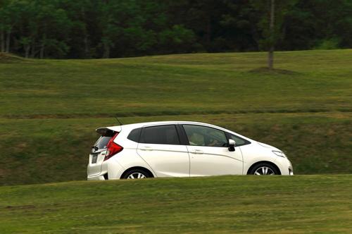 Гібридний Honda Fit Hybrid став автомобілем року в Японії (2)