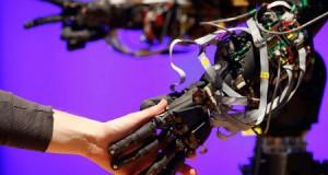 Вчені прогнозують заміну офісного планктону роботами гуманоїдами вже через 5 років