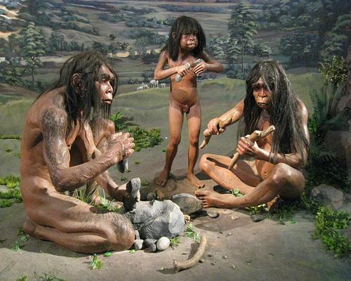 Homo_erectus_Diorama_resized