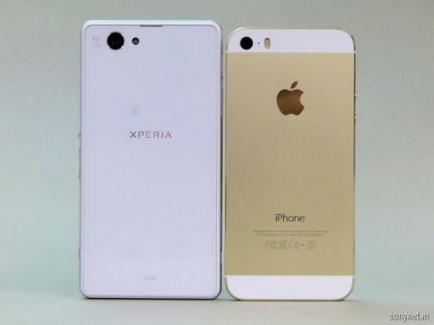 Чим краща Sony Xperia Z1F від iPhone 5s? (3)