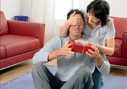 Психологи встановили: жінки краще за чоловіків вибирають подарунки