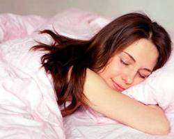 Тривалий нічний сон обов'язковий для жінок