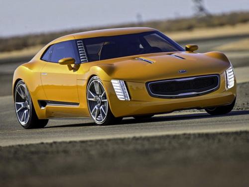 Kia GT4 Stinger: спортивний дизайн, задній привід і багато конячок