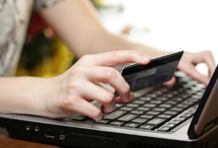Українці стали активніше купувати товари через Інтернет