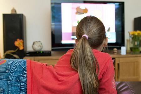 Тривалий перегляд телевізора шкодить мозгу дитини