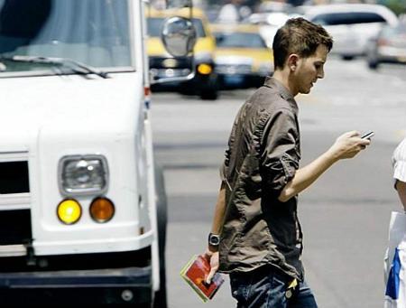 Через SMS у людей ростуть горби