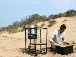 Пристрій Dupe створює «біологічний цемент» з піску, бактерій і сечовини