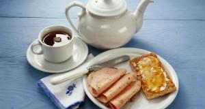 Сніданок - час, коли людина має саме гарний настрій