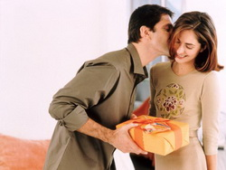Що подарувати на день народження дружині?