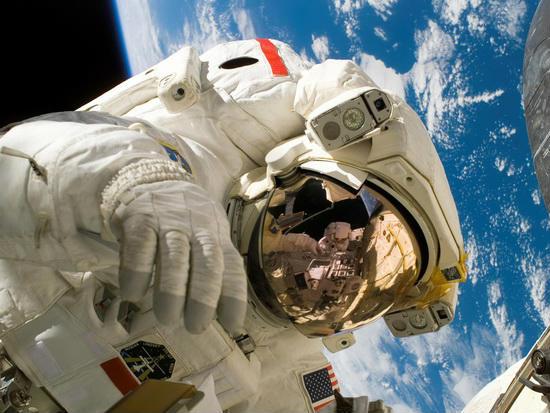 astronavty_zarplata_550