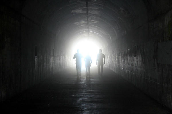 svitlo_v_kinci_tuneliu_600