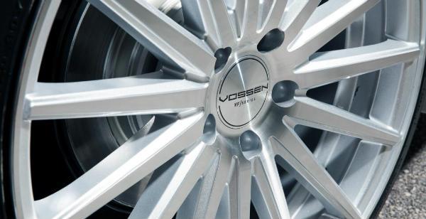 2952-pembroke-pines-vossen-predstavili-modernizirovanyy-sedan (1)_resized