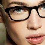 Підбір оправи для окулярів — поради стиліста