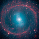 Отримана фотографія древньої галактики, яка оточена «колесом життя»