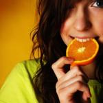 Жінкам шкідливо вживати апельсини у великих кількостях