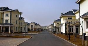 Китайський мільйонер зніс всі хатини в своєму рідному селі і побудував кожному жителю по віллі. Безкоштовно