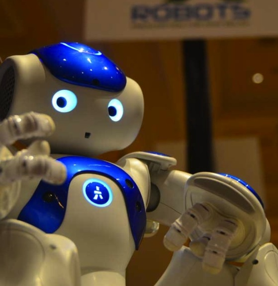 Робот, який допомагає дітям менше боятися лікарів