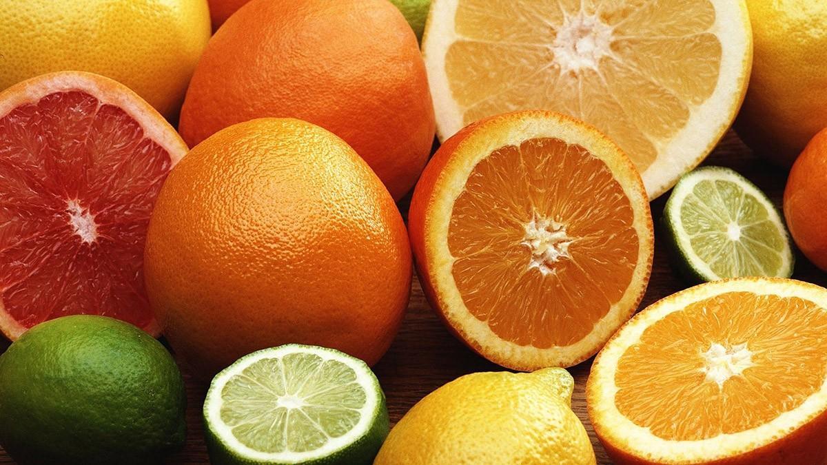 После съедания апельсина из влагалища пахнет апельсином