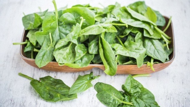 Вживання зелені корисно для кишечника