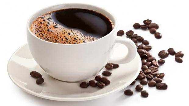 Медики пояснили, чому не можна пити каву вранці