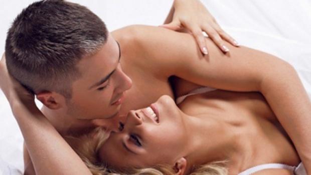 Експерти розповіли, чим загрожує чоловікові відсутність сексу