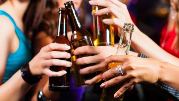 Вживання алкоголю в молодості може привести до гіпертонії