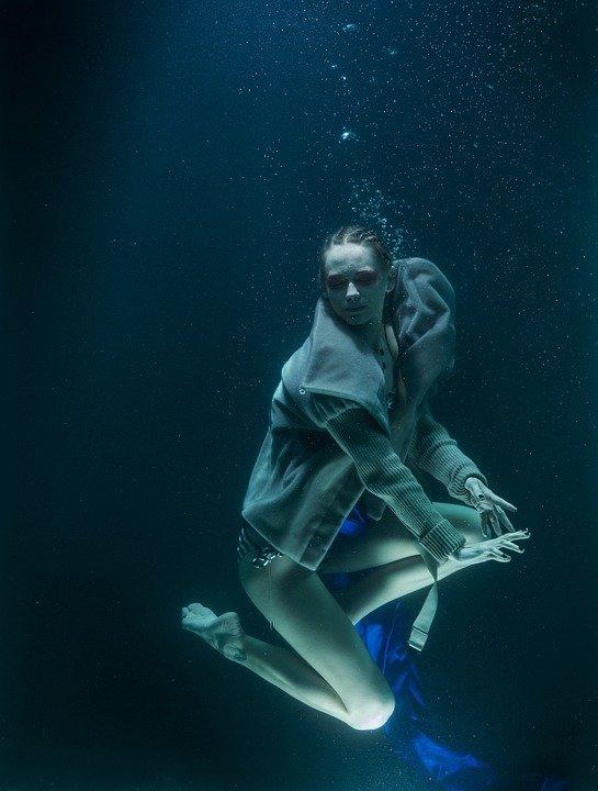 Физиолог из Нидерландов научил человека дышать под водой